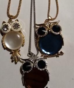 Öökulli kaelaehe sinise,valge,pruuni kristalligapikk kett