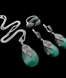 Henseni rohelise Opaali ripats ja kõrvarõngd antiikhõbedast
