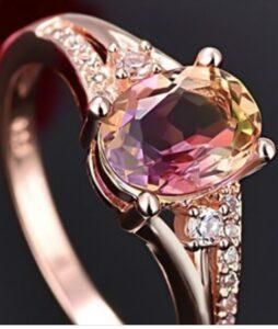 roosa kullaga kaetud Austria kristall